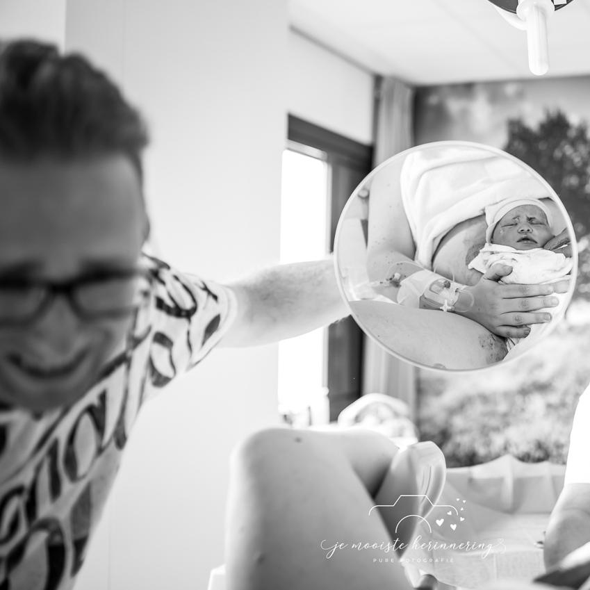 geboortefotografie-matiniziekenhuis-speigelbeeld-kennismaken